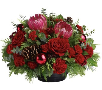 Christmas Grandeur in sinnamon park , petals florist network