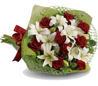 Royal Romance for flower delivery united kingdom wide