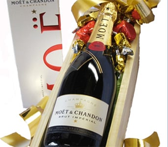 Moet & Chandon  NV in Grumleys NSW, Grumleys Gifts